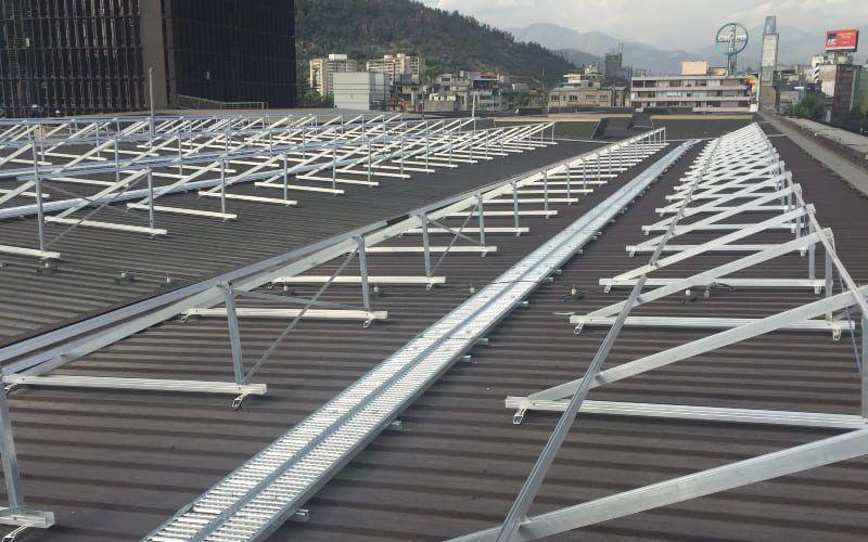 Acero y aluminio para estructuras solares