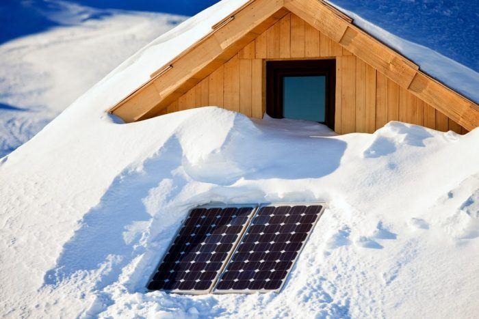Installer Des Panneaux Photovoltaiques En Hiver Avec Energreen 2 Scaled 1 700x467